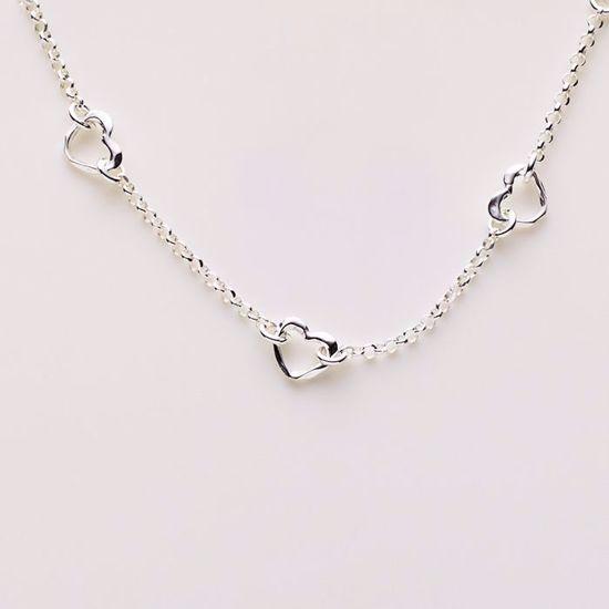 8883-sølv-børne-armbånd-med-hjerter
