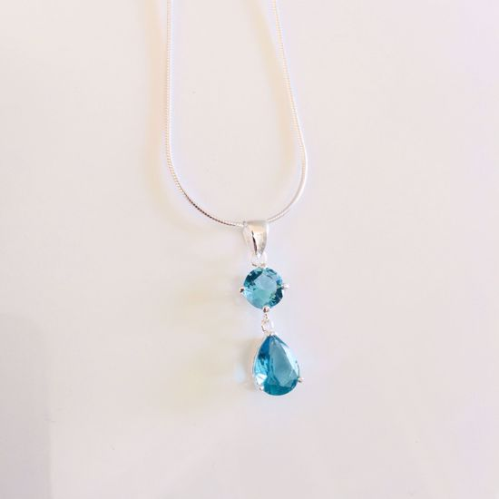 Billede af OUTLET Halskæde med lyseblå zirkonia sten 702/3